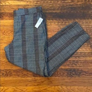 OLD NAVY NWT 4 mid rise gray plaid pull on pant